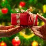 """RECORDANDO: La Falacia de """"entregarnos regalos por navidad"""""""