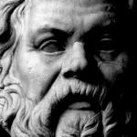 """""""Sólo el conocimiento que llega desde dentro es el verdadero conocimiento"""" Sócrates"""